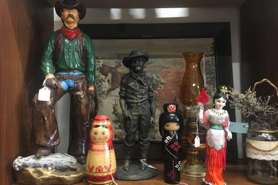 Figurines for sale in a Wyoming thrift store, photo by LuLing Osofsky